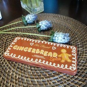 Gingerbread Pallette